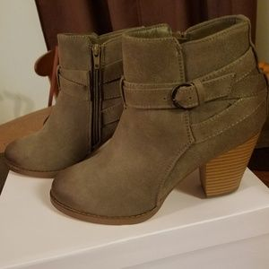 Never worn JustFab Ankle Booties